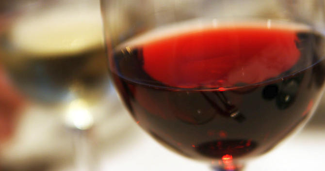 10 Health Benefits of Red Wine