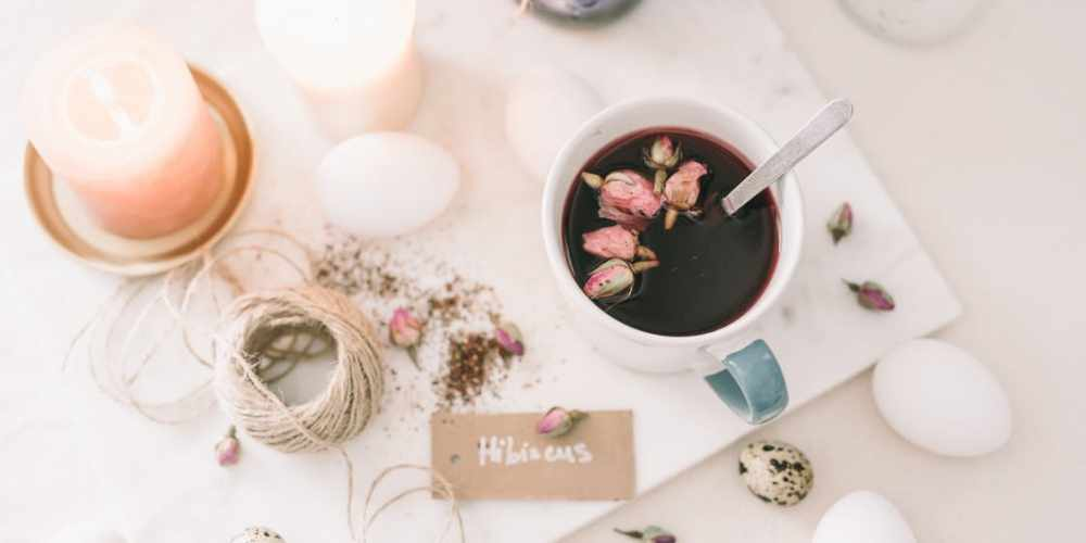 Top 12 Benefits of Hibiscus Tea for Health and Beauty