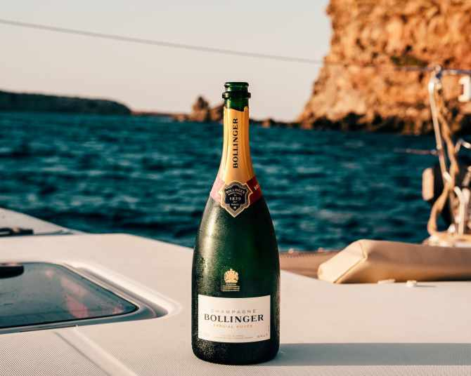 What Is Prosecco? How Is Different From Champagne?