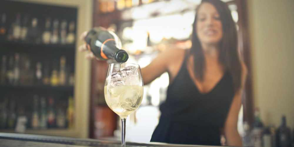 Sweet White Wine Types and What They Go Best With