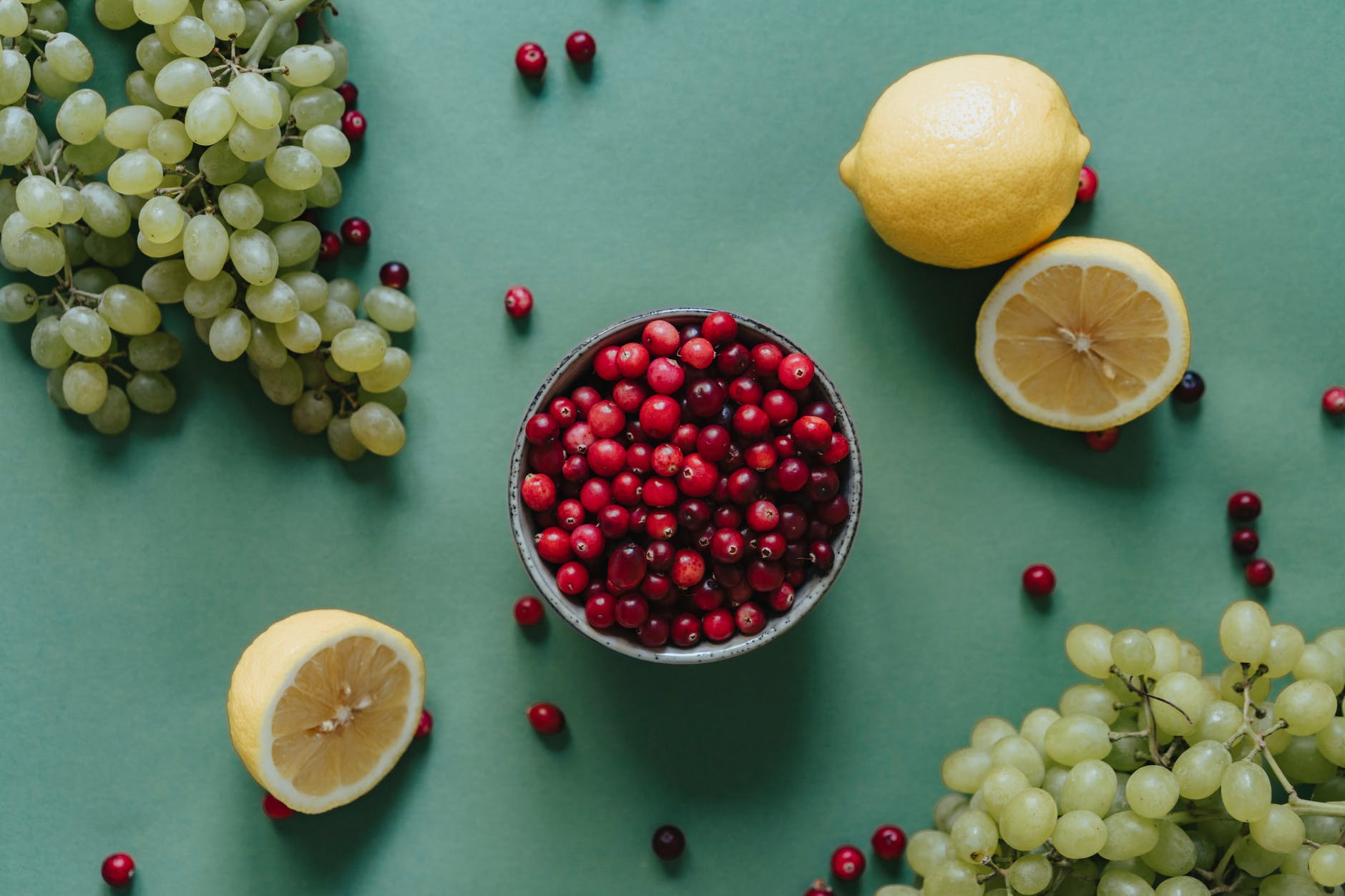 Top 12 Reasons Why Cranberry Juice Benefits Female